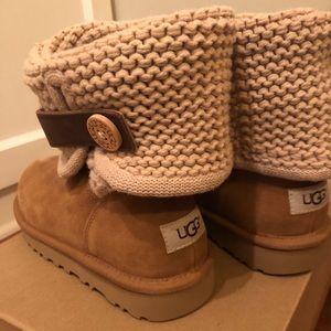 Brand new 🌟Shaina Treadlite bootie by UGG